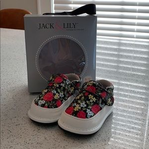 Other - New Jack & Lily Baby Shoes 6-12 months